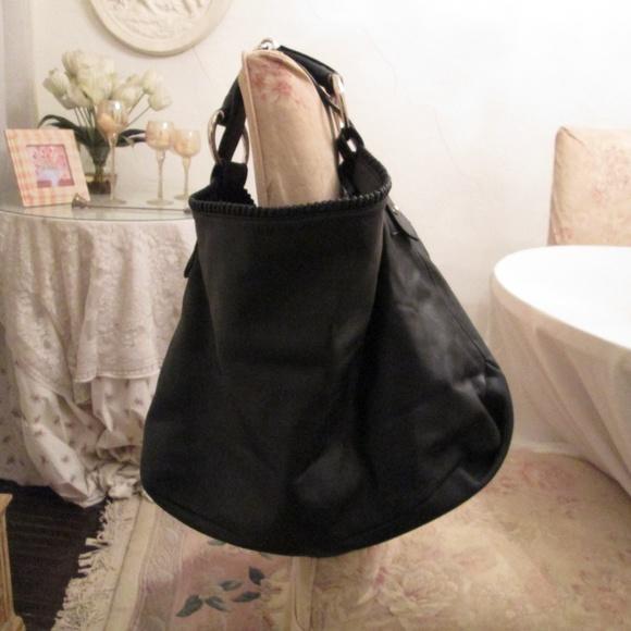 c3c4c1d8602 GUCCI Handbags - GUCCI Large Black Leather Horsebit tote